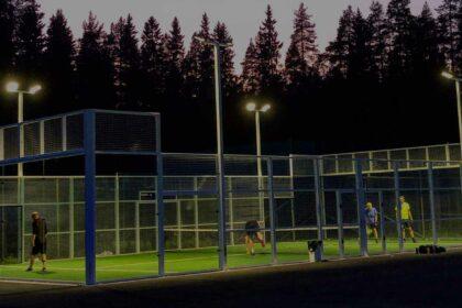 Skellefteå Tennisklubb Padel Utomhus mörk slide 1
